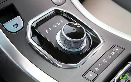 自动挡汽车的安全驾驶技巧